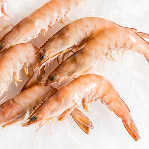 Prawns and shrimp are among the most popular types of seafood and a curry made out of either is delicious.